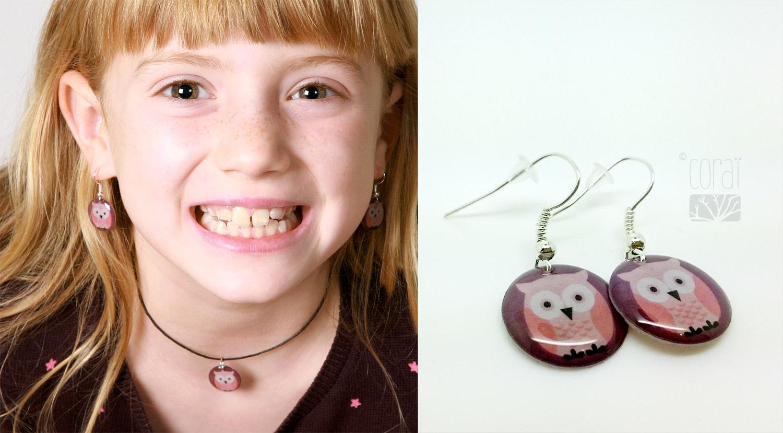 bijoux corai collection enfant hibou mauve rose boucles oreilles collier resine medaillon1