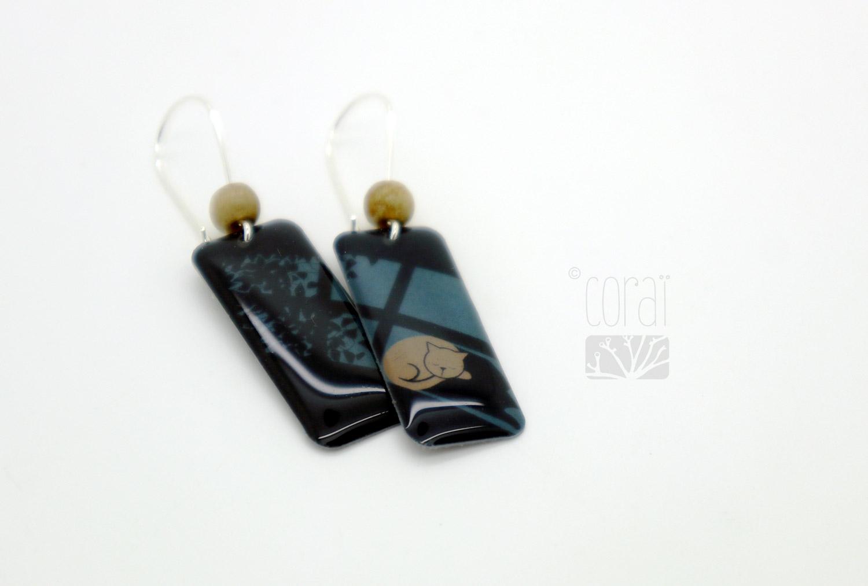 boucles oreilles marque corai chat fenetre lumiere ombre2