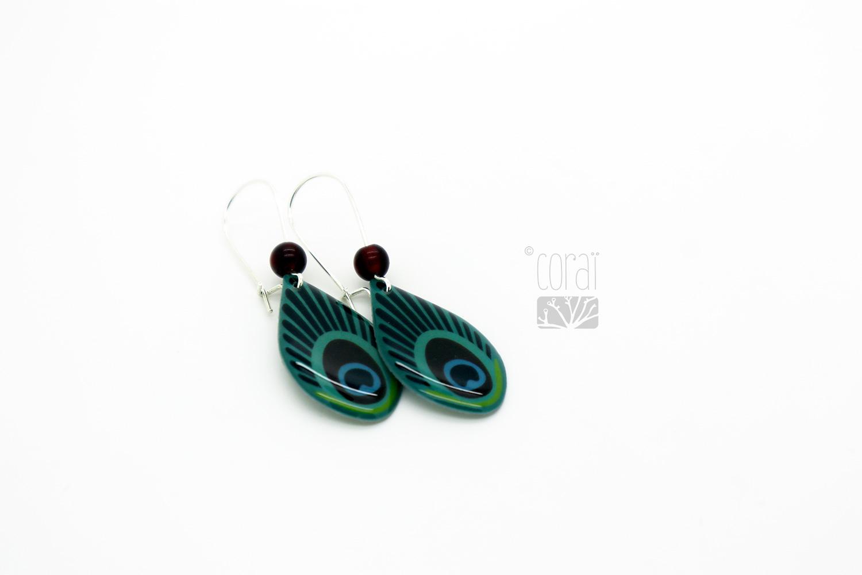 boucles oreilles pendantes plumes paon creation marque corai
