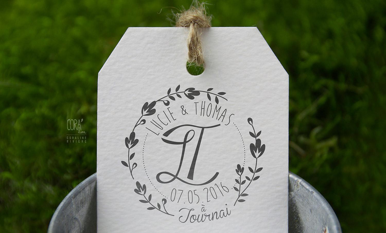 logo mariage initiales prenoms jeunes maries lucie thomas jeu lettrage lettres entrelacees style retro